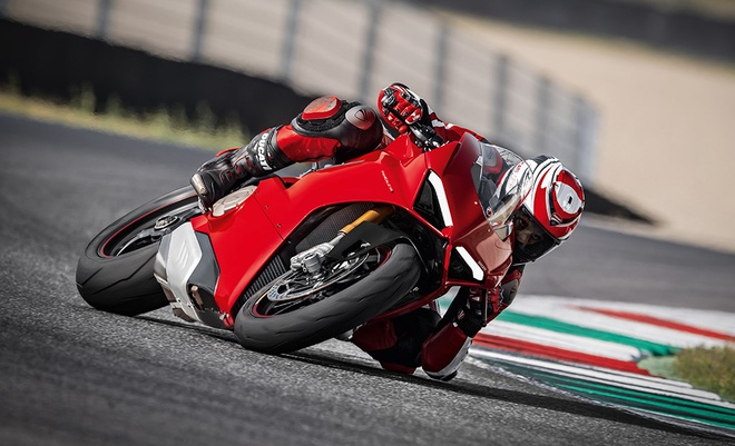 Panigale V4 - ky nguyen moi cua Ducati hinh anh
