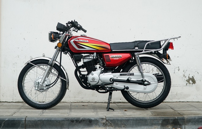 Honda CG125 gia 36 trieu dong tai Viet Nam hinh anh 3