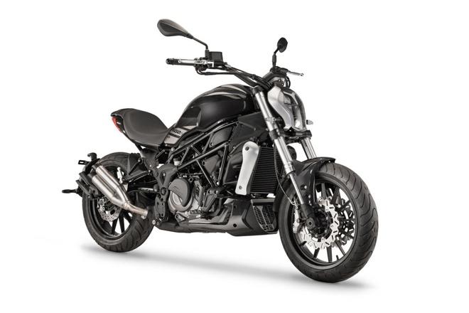 Benelli 402S - cruiser nhieu diem chung voi Ducati XDiavel hinh anh