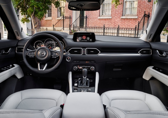 Mazda CX-5 2018 chuan bi ra mat khach Viet, doi dau Honda CR-V hinh anh 2