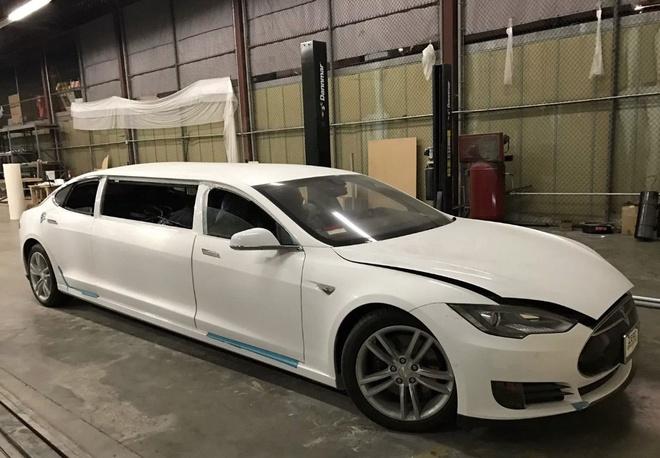 Tesla Model S do limousine dau tien tren the gioi hinh anh 1