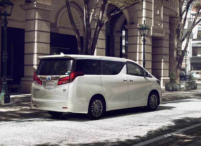 Toyota Alphard 2018 nang cap dong co, them cong nghe an toan hinh anh 2