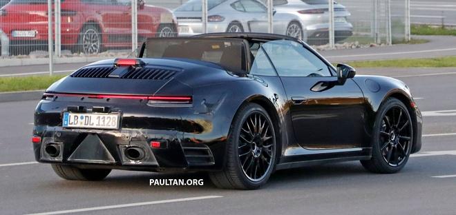 Porsche 911 Cabriolet the he moi xuat hien tren duong thu hinh anh 2