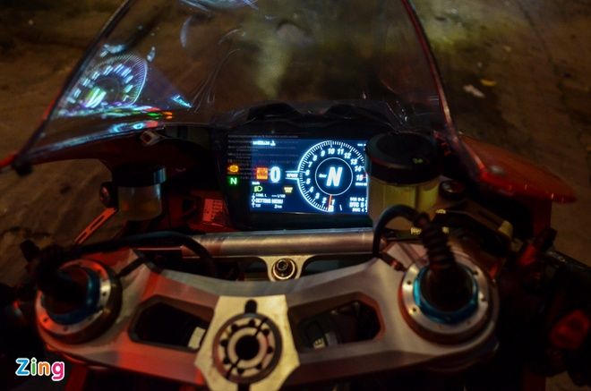 Ducati Panigale V4S dau tien ve Viet Nam, gia khoang 1,6 ty dong hinh anh 4