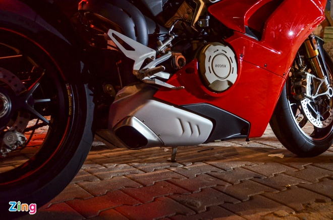 Ducati Panigale V4S dau tien ve Viet Nam, gia khoang 1,6 ty dong hinh anh 6