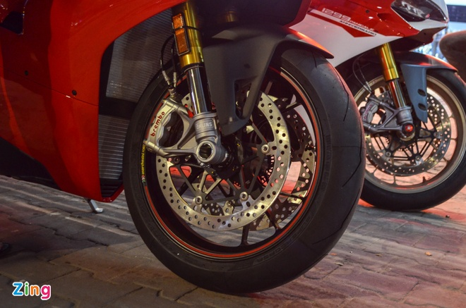 Ducati Panigale V4S dau tien ve Viet Nam, gia khoang 1,6 ty dong hinh anh 3