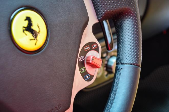 Ferrari F430 Spider - sieu xe dinh dam mot thoi xuat hien tren pho hinh anh 8
