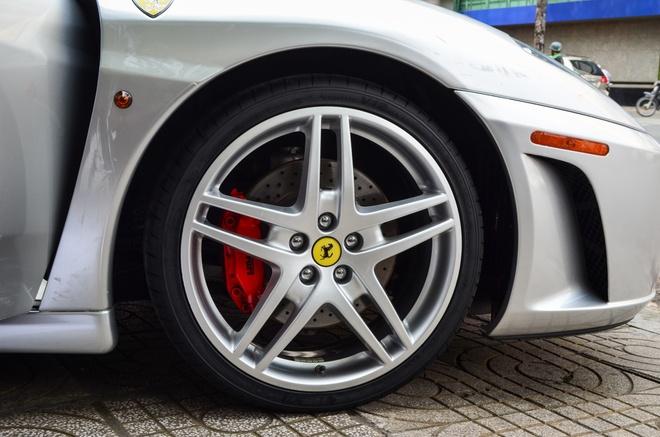 Ferrari F430 Spider - sieu xe dinh dam mot thoi xuat hien tren pho hinh anh 4