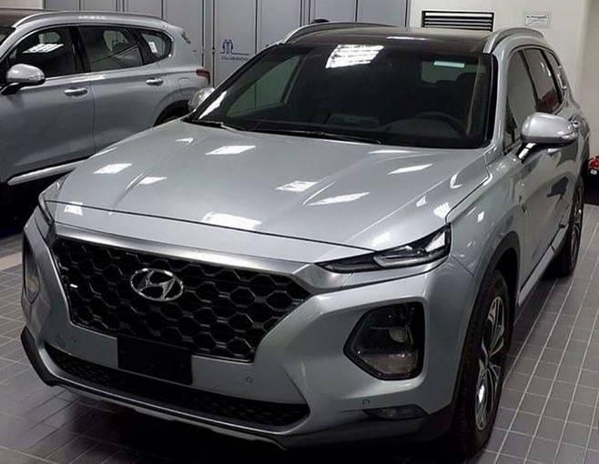 Hyundai Santa Fe 2019 xuat hien tai dai ly, gia tu 26.000 USD hinh anh