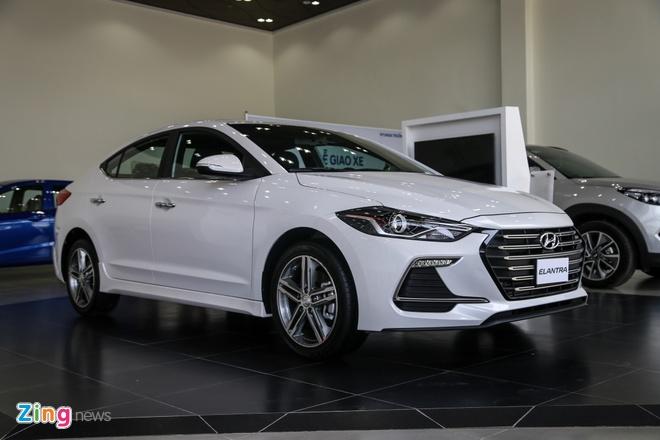 Chi tiet Hyundai Elantra Sport gia 729 trieu dong tai Viet Nam hinh anh