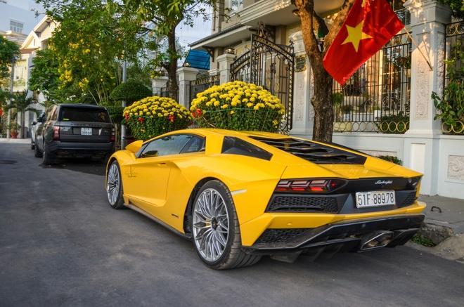 Bo doi Lamborghini Aventador gap mat dau nam moi tai Sai Gon hinh anh 4