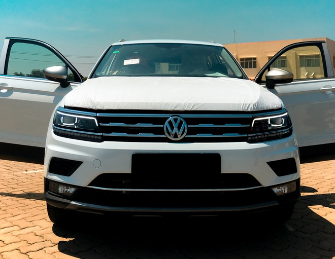 Lo hang Volkswagen Tiguan 7 cho ve Viet Nam, gia 1,7 ty dong hinh anh