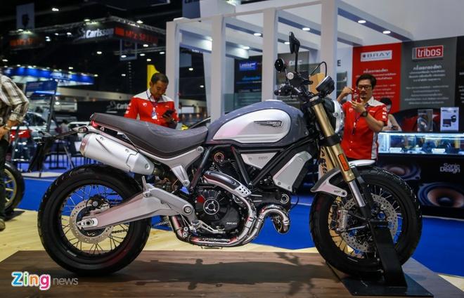 Can canh Ducati Scrambler 1100 vua ra mat, de doa BMW R NineT hinh anh