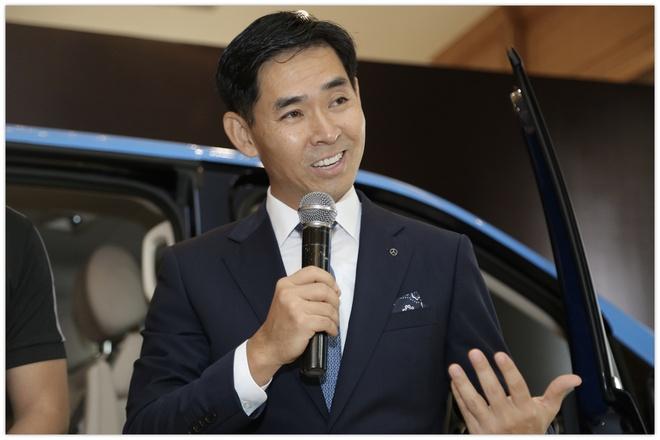 Tong giam doc Mercedes VN: 'BMW tro lai la dong luc cho chung toi' hinh anh
