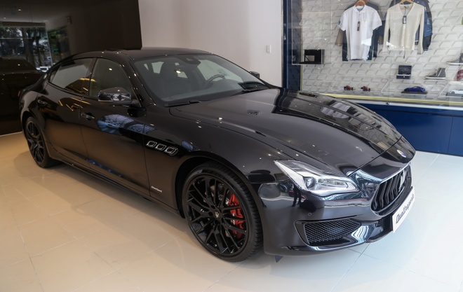 Can canh Maserati Quattroporte Nerissimo Edition doc nhat tai VN hinh anh