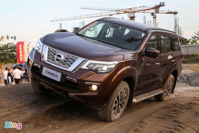 Nissan Terra co gia tam tinh tu 980 trieu dong, ban ra thang 11 hinh anh