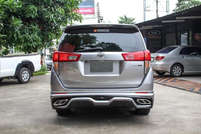 Toyota Innova phien ban do theo phong cach Lexus hinh anh 7