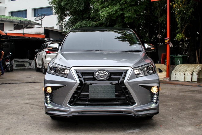 Toyota Innova phien ban do theo phong cach Lexus hinh anh