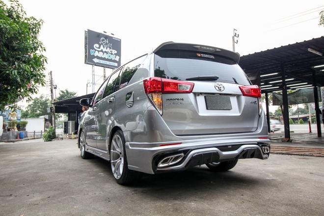 Toyota Innova phien ban do theo phong cach Lexus hinh anh 6