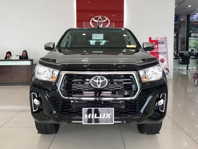Toyota Hilux huong thue nhap khau 0% o at ve dai ly hinh anh
