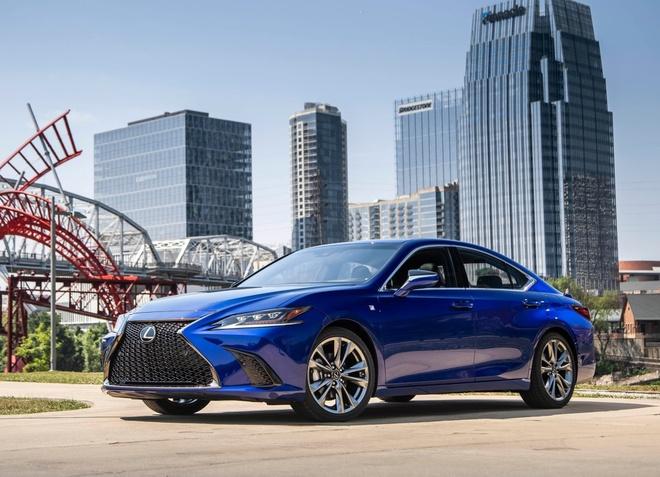 Lexus ES 2019 gia tu 39.500 USD, doi thu Mercedes E-Class hinh anh 1
