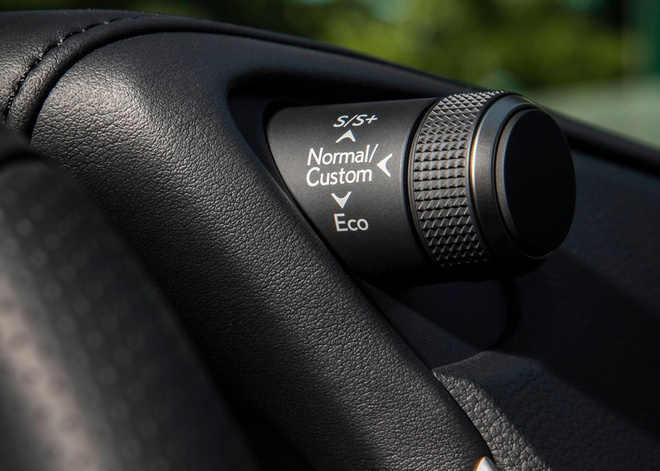 Lexus ES 2019 gia tu 39.500 USD, doi thu Mercedes E-Class hinh anh 8