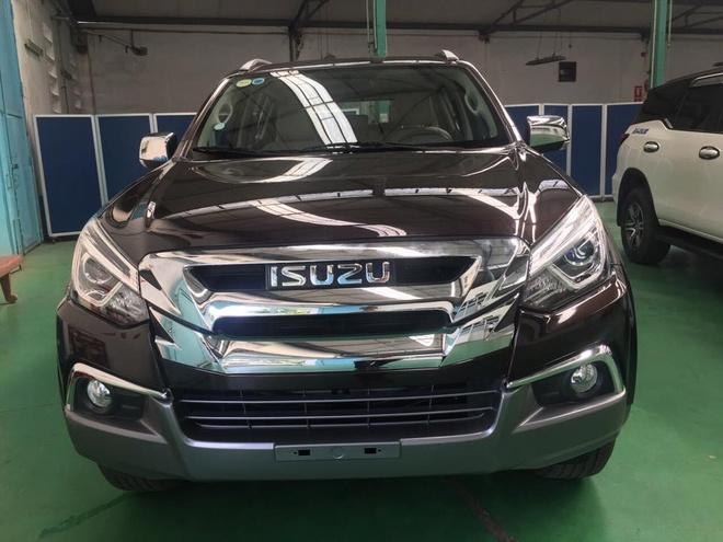 Isuzu mu-X 2018 huong thue NK 0% ve Viet Nam - doi thu Toyota Fortuner hinh anh