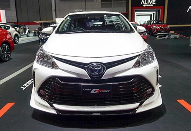 Toyota ra mat Vios phong cach xe dua duong pho, gia 23.000 USD hinh anh