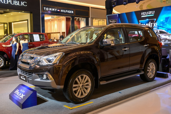 Anh chi tiet Isuzu mu-X 2018: SUV co trung re nhat thi truong hinh anh
