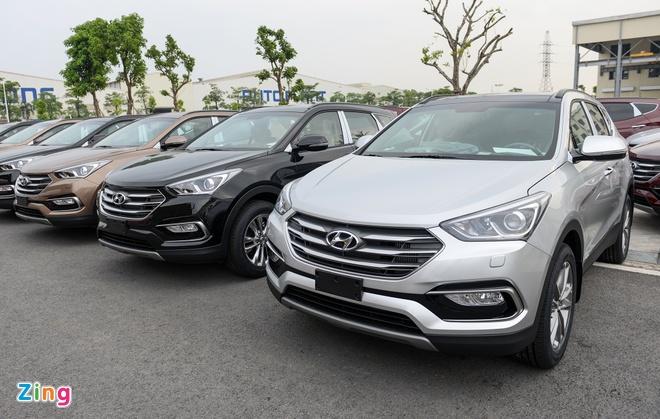 Hyundai SantaFe 2019 sap ra mat, ban cu chenh gia hon 100 trieu hinh anh 1