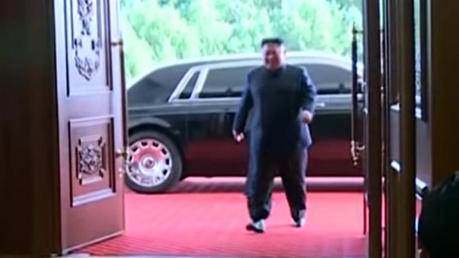 Ong Kim Jong Un xuat hien cung chiec Rolls-Royce Phantom hinh anh