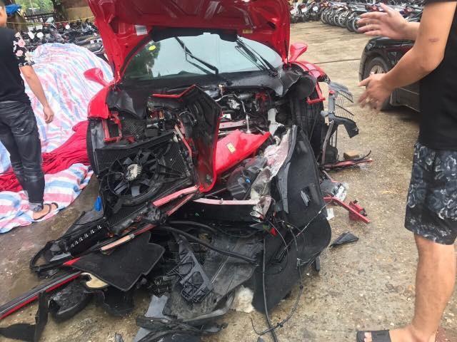 Sieu xe Ferrari 488 GTB cua ca si Tuan Hung gap nan hinh anh