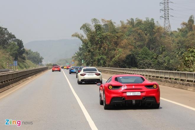Sieu xe Ferrari 488 GTB cua ca si Tuan Hung gap nan hinh anh 5