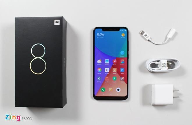 Xiaomi Mi 8 ve VN: Thiet ke giong iPhone X, gia 10 trieu hinh anh 6