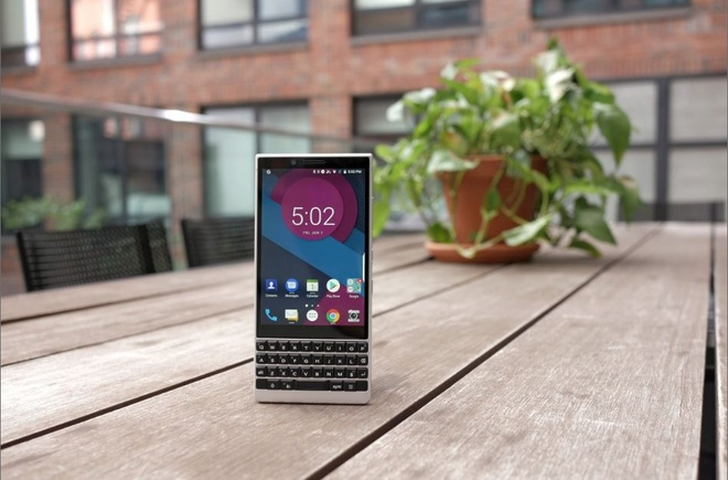 anh BlackBerry KEY2 anh 1