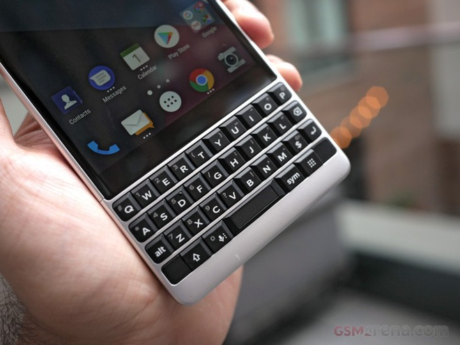 Ảnh BlackBerry KEY2 vừa ra mắt: Snapdragon 660, giá 649 USD - Công