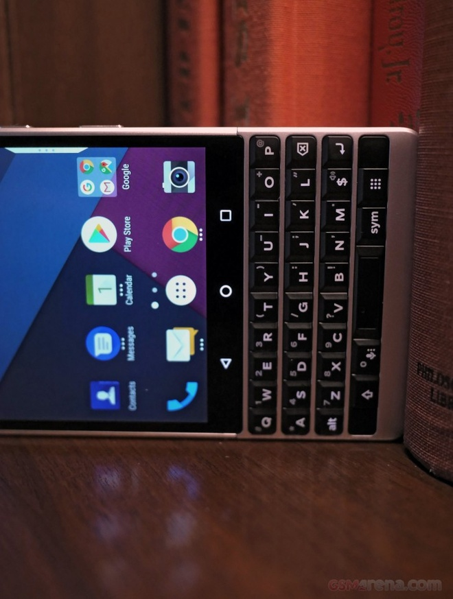 anh BlackBerry KEY2 anh 11