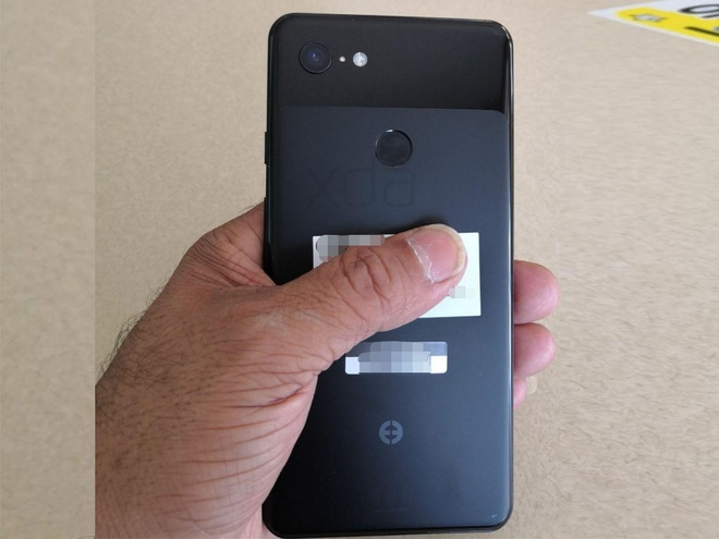 Google Pixel 3 XL lo dien - 'Tai tho' nhu iPhone X, camera don hinh anh