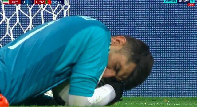 Anh che Ronaldo sut truot penalty tran ngap cong dong mang hinh anh 6