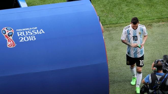 Sau that bai, Messi va Ronaldo thanh nan nhan cua anh che hinh anh 1