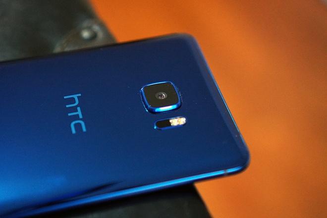 HTC roi vao khung hoang, doanh thu giam manh nhat trong 2 nam qua hinh anh