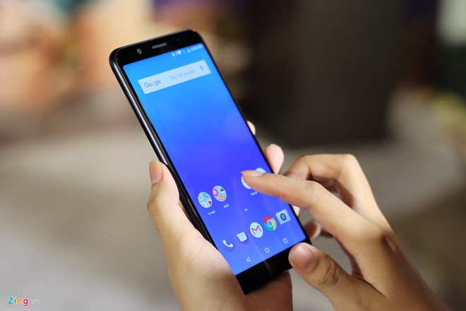 Loat smartphone tam trung pin 'trau' nhat dang ban tai Viet Nam hinh anh 6