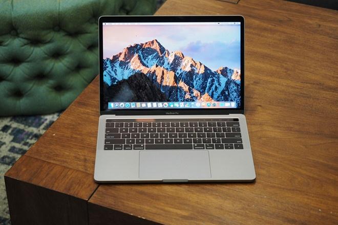 Nguoi dung tra lai MacBook Pro 2018 vi khong nhu quang cao hinh anh