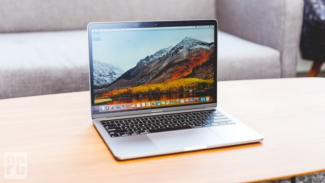 Apple xin loi vi MacBook Pro 2018 gay that vong hinh anh 1