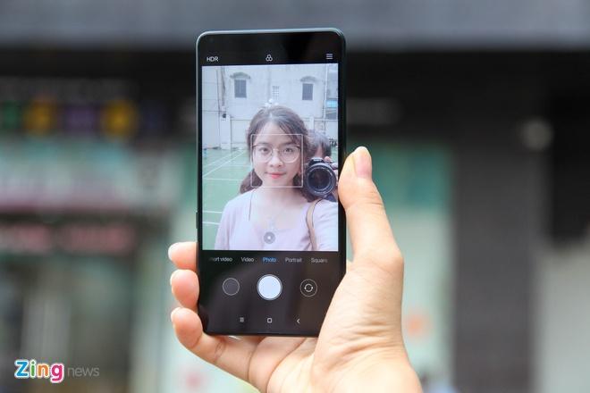 Xiaomi Mi Mix 2S xanh ngoc luc bao anh 4