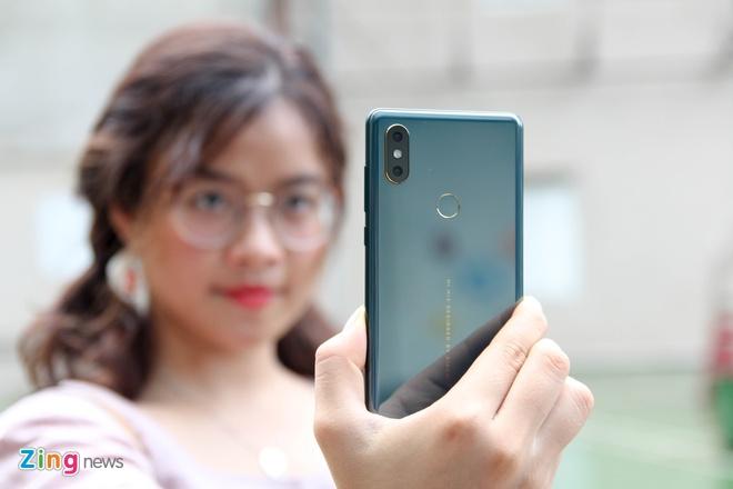 Xiaomi Mi Mix 2S xanh ngoc luc bao anh 3