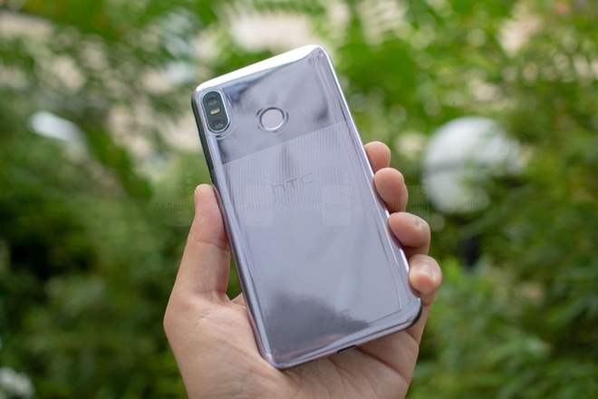 HTC U12 Life ra mat anh 6