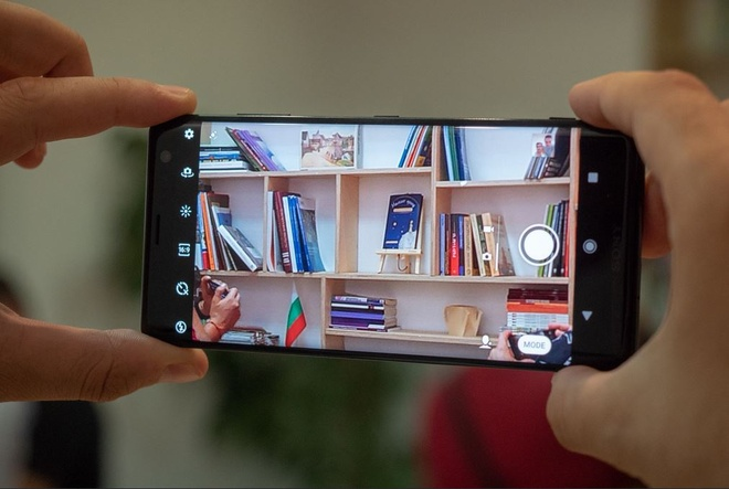 Chi tiet Sony Xperia XZ3 - man hinh cong tran 2 canh, gia tu 900 USD hinh anh 6