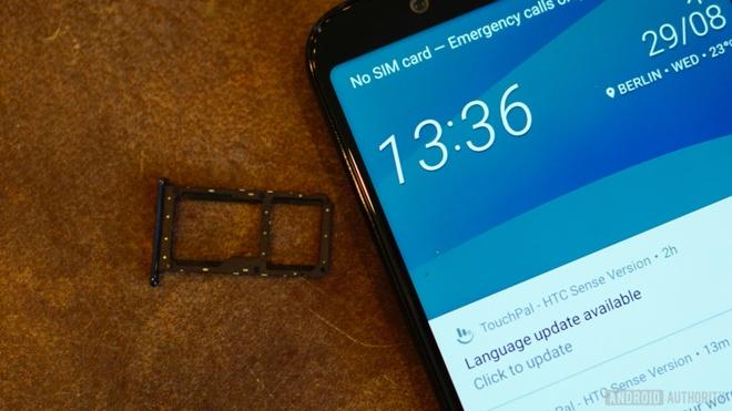 HTC U12 Life ra mat anh 8
