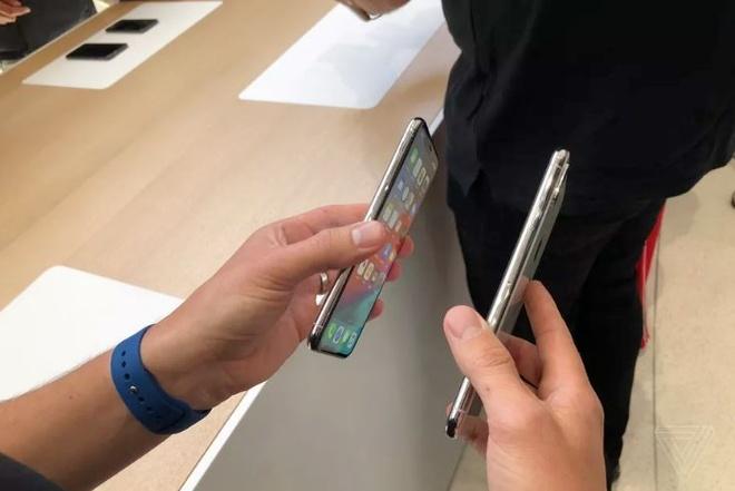 Anh thuc te iPhone XS va iPhone XS Max - dang cu, tinh nang moi hinh anh 5